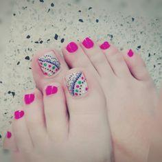 #toenails #design #pedicure #toes #mandala #nails #artnails #uñasdelospies