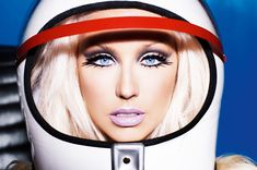 Christina Aguilera on Keep gettin' better photoshoot - Inspired by pop art