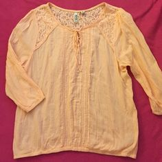 Peach peasant top Iightweight material. Elastic waist band and arms. 3/4 sleeve used a couple times but still in good conditions no trades, holds, or paypal Mudd Tops Blouses