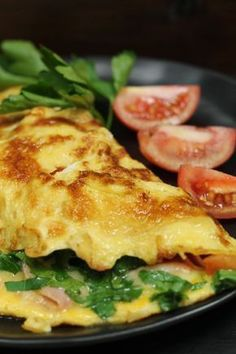 Omelette mit Schinken, Käse und Tomaten – Mein wunderbares Chaos Omelette with ham, cheese and tomatoes – my wonderful chaos Cabbage Salad Recipes, Veggie Recipes, Cooking Recipes, Healthy Recipes, Healthy Food, Paleo Breakfast, Breakfast Recipes, Best Pancake Recipe, Food Inspiration