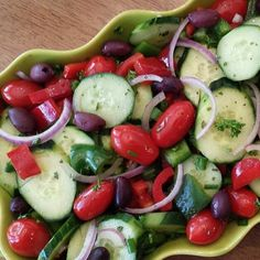"""Chopped Greek Salad Credits @Cleanfoodcrush Directions for the Salad: 2 large English Cucumber, sliced 1 pint Grape tomatoes 1 Red Bell Pepper, chopped…"""