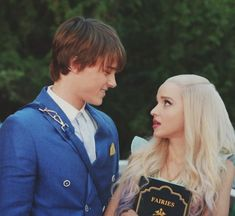 Image uploaded by Ritta Santana. Find images and videos about dove cameron, descendants and bal on We Heart It - the app to get lost in what you love. Descendants Mal And Ben, Descendants Pictures, Disney Channel Descendants, Dove Cameron Descendants, Descendants Cast, Movie Couples, Cute Couples, Cameron Mitchell, Disney Channel Original