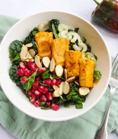 Creamy ranch kale salad with baked buffalo tofu, celery, toasted almonds, and homemade vegan ranch dressing. Dinner Bowls, Dinner Salads, Kale Salads, Raw Food Recipes, Salad Recipes, Vegetarian Recipes, Vegan Food, Buffalo Tofu, Farmers Market Recipes