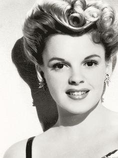 love her hair here- still do able Judy Garland http://pinterest.com/pin/126452702009365390/repin/