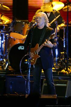 Joe Walsh Eagles Lyrics, Eagles Band, American Music Awards, American Singers, Rock And Roll Bands, Rock N Roll, Joe Walsh Eagles, History Of The Eagles, Glen Frey