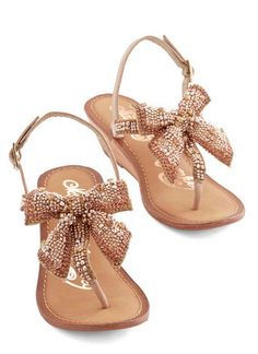 glam wedge sandals  http://rstyle.me/n/wane2pdpe