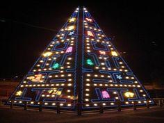 Al igual que ya hice el año pasado, este año os quiero mostrar también árboles de Navidad originales y diferentespara todos los gustos y estilos decorativos, d