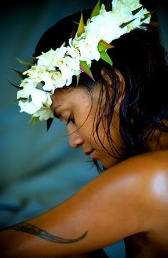 Cook Islands culture epitomized with the beauty and personality of the people Polynesian Girls, Polynesian Culture, Polynesian Dance, We Are The World, People Around The World, Around The Worlds, Hula Dancers, Thinking Day, Island Girl