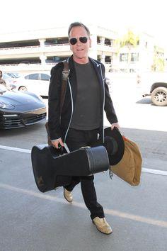 Kiefer Sutherland Photos Photos - Kiefer Sutherland is seen at LAX  on March 25, 2017. - Kiefer Sutherland Arrives at LAX