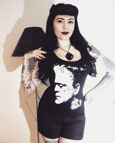 "602 Likes, 9 Comments - Rosana Barrera (@bettiefromhell) on Instagram: ""He's alive!  Camiseta @moonblackloja  Cupom de desconto ""bettie"""""