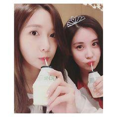 03aaa80a393 Ảnh uống sữa của Yoona và nàng út Seo Hyun có lượt like.