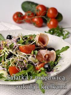 Przepisy na letnie sałatki - Damsko-męskie spojrzenie na kuchnię Caprese Salad, Mozzarella, Meat, Chicken, Food, Bulgur, Meals, Insalata Caprese, Cubs