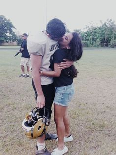 goals football Football player and his girlfriend ♥ Footballer and his girlfriend ♥ Football Relationship Goals, Goals Football, Couple Goals Relationships, Relationship Goals Pictures, School Football, Nfl Football, Country Relationships, Turkey Football, Perfect Relationship