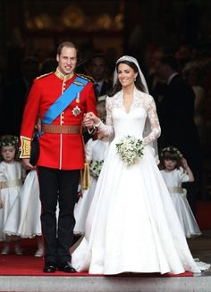 i could care less about the royal wedding but i have to admit that's a perfect dress. dresses classic kate middleton Kate Middleton's dress: Most perfect wedding gown ever? Royal Wedding Gowns, Celebrity Wedding Dresses, Royal Weddings, Celebrity Weddings, Bridal Gowns, Celebrity News, Vogue Wedding, Royal Brides, Celebrity Gossip