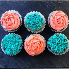 Coral and Turquoise Baby Shower Cupcakes Coral Cupcakes, Turquoise Cupcakes, Teal Cake, Turquoise Party, Coral Party, Wedding Cakes With Cupcakes, Holiday Cupcakes, Idee Baby Shower, Peach Baby Shower