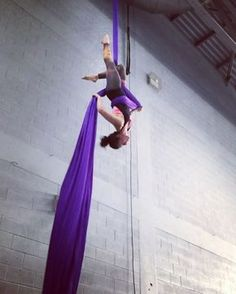 """139 Likes, 5 Comments - Acro Mel (@acro.mel) on Instagram: """"Slack drop day on #silks  #slackdrop #iadf #aerialsilk #aerialsilks #silk #tissu #fabrics #fabric…"""""""