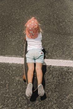 Rolling Rosie - Barefoot Blonde by Amber Fillerup Clark Blonde Baby Girl, Blonde Kids, Blonde Babies, Girls Skate, Louis Tomlinson Tumblr, Cute Kids, Cute Babies, Kids Girls, Baby Kids