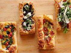 Puff Pastry Pizza recipe from Ree Drummond via Food Network Puff Pastry Pizza, Frozen Puff Pastry, Puff Pastry Recipes, Pizza Pizza, Pizza Dough, Pizza Lasagna, Puff Pastries, Pasta Primavera, Plain Pizza