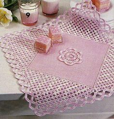 Beautiful Crochet easy hook pattern placemat Related posts:You Can Knit Entrelac - We'll Show You HowDo you actually know that you have loads of cool items for breathtaking . Filet Crochet, Crochet Diy, Crochet Quilt, Crochet Tablecloth, Crochet Squares, Crochet Home, Easy Crochet Patterns, Crochet Motif, Vintage Crochet