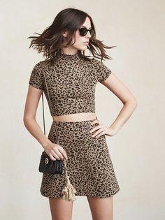6c0b781b8e725 Leopard print high-neckline short-sleeved crop top   mini skirt set