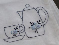 Wonderful Ribbon Embroidery Flowers by Hand Ideas. Enchanting Ribbon Embroidery Flowers by Hand Ideas. Sashiko Embroidery, Learn Embroidery, Japanese Embroidery, Embroidery Patterns Free, Silk Ribbon Embroidery, Hand Embroidery Designs, Embroidery For Beginners, Embroidery Art, Embroidery Stitches