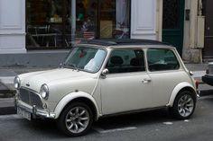 Paris Austin Mini Cooper S Mini Cooper Clasico, Mini Morris, Austin Cars, Hatchback Cars, Suzuki Jimny, Classy Cars, Mini One, Smart Car, Mini Things