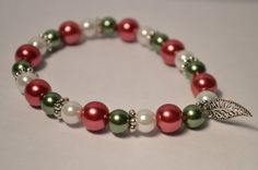 Hey, I found this really awesome Etsy listing at https://www.etsy.com/listing/210252787/christmas-bracelet-glass-pearl-stretch