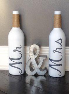 69 DIY Wine Bottle Crafts for Home Decor on a Budget diyhomedecor diywinebottle . - 69 DIY Wine Bottle Crafts for Home Decor on a Budget diyhomedecor diywinebottle winebottlecrafts ⋆ - Glass Bottle Crafts, Wine Bottle Art, Painted Wine Bottles, Diy Bottle, Glass Bottles, Crafts With Bottles, Wine Bottles Decor, Crafts With Wine Bottles, Reuse Wine Bottles