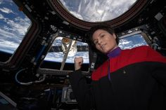 Astronaut pays homage to Star Trek's most famous femalecaptain