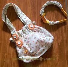 Resultado de imagem para bolsinha infantil tecido passo passo Bag Patterns To Sew, Sewing Patterns, Easter Gift Bags, Kids Frocks Design, Fabric Flower Headbands, Potli Bags, Fabric Purses, Hand Embroidery Designs, Girls Bags