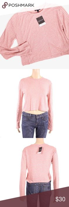 Topshop Long Sleeve Striped Crop Top Topshop crop top, striped.  Fits true to size.  Shown on a size 4/6 mannequin.  New with tags.  Measurements available upon request.  All orders shipped same or next business day! Topshop Tops Crop Tops