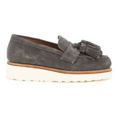 Grenson Women's Clara V Suede Tassle Loafers - Charcoal (1,045 SAR) ❤ liked on Polyvore featuring shoes, loafers, grey, wedge flats, suede flats, grey suede shoes, grey flats and suede loafers