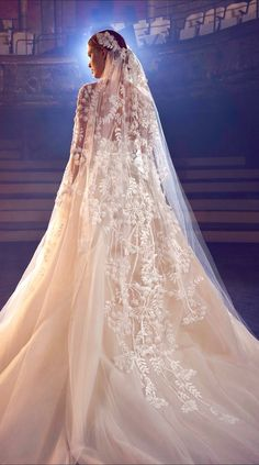 0669bf31ec8 Elie Saab Bridal 2018 collection presents a regal orchestra of nine  silhouettes