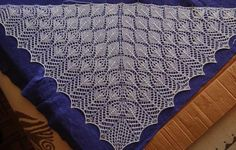 Ravelry: Neo North Roë Shawl pattern by Odile Buatois-Brand