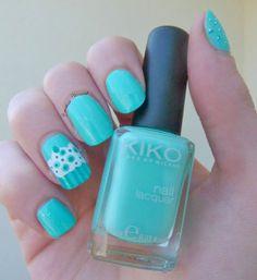 #cupcake #mint #nails #nailart #geometrique http://www.emotion-wizard.com/2013/07/nailstorming-cupcake-geometrique.html