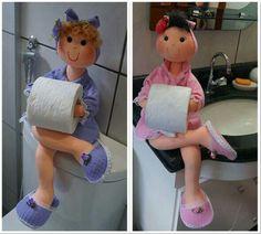 Boneca porta papel higienico