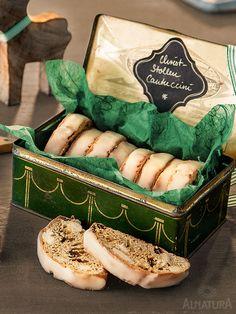 #Lieblingsplätzchen mal anders: Durch Rosinen, Apfelsaft, Orangen- und Zitronenschalen und einer Prise Zimt wird aus dem italienischen Klassiker diese feine Weihnachtsvariante | #Alnatura #plaetzchen #cookies