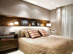 Почти всегда кровать ставится так, чтобы спать головой к стене. Чтобы поверхность стены за кроватью не портилась, а вид комнаты был законченым, можно купить…