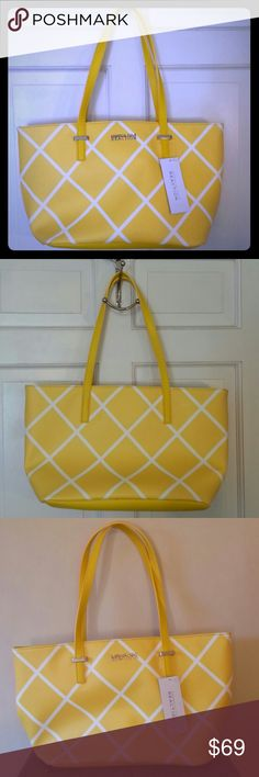 KENNETH COLE REACTION BAG, BEAUTIFUL GORGEOUS SUNSHINE YELLOW KENNETH COLE REACTION BAG, MAGNETIC INSIDE SNAP CLOSURE, INSIDE ZIPPERED POCKET, AND TWO ADDITIONAL POCKETS. GREAT CHRISTMAS GIFT.*********** POSH PRINCESS S.C Kenneth Cole Reaction Bags Satchels