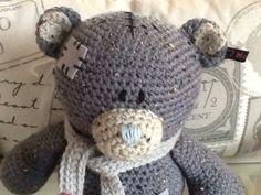 Te koop: me-to-youbeer. Hij is van lekker zacht berengaren gemaakt.