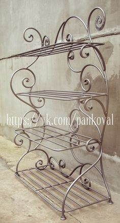 Balkon – home accessories Iron Furniture, Steel Furniture, Wood And Metal, Metal Art, Blacksmith Projects, Wrought Iron Gates, Iron Steel, Iron Table, Iron Decor