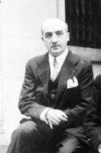 José María Rodríguez-Acosta - Los cien granadinos del siglo XX - ideal.es Habiendo nacido en el seno de una rica familia de banqueros, prefirió seguir su vocación artística, convirtiéndose en un famoso pintor.