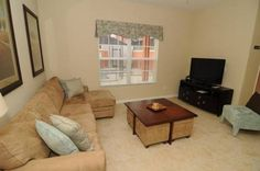 Majesty Palm Manor Kissimmee (Florida) Set in Orlando, this holiday home is situated 3.4 km from Disney's Hollywood Studios. The holiday home is 4.4 km from Disney's Boardwalk. Free WiFi is provided throughout the property.