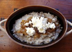 Steel cut oats with caramelized onions and ricotta.I do love savory oatmeal. Savory Oatmeal Recipes, Best Breakfast Recipes, Oats Recipes, Sweet Breakfast, Second Breakfast, Easy To Cook Meals, Easy Food To Make, Ricotta, Brown Sugar Oatmeal