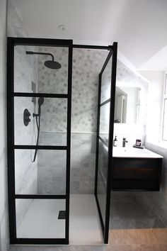 Bathroom Decor marble Family Bathroom Renovation, the Reveal! Marble and Black makeover Family Bathroom, Budget Bathroom, Bathroom Renovations, Small Bathroom, Bathroom Black, Wood Effect Porcelain Tiles, Walk In Shower Enclosures, Mirror Makeover, Bathroom Trends