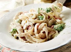 Fettuccine Alfredo with Chicken and Vegetables recipe | Dairy Goodness