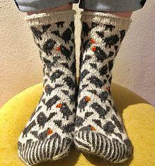 Ravelry: Birdy pattern by Lone Kjeldsen Knitting PatternsKnitting HatCrochet PatronesCrochet Amigurumi Knitting Socks, Free Knitting, Baby Knitting, Fair Isle Knitting, Ravelry, Knitting Patterns, Debbie Macomber, Knitted Blankets, Groomsmen