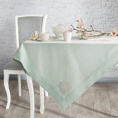 Fata de masa Vivian Verde Mint #homedecor #interiordesign #inspiration #table #livingroomdecor Interiores Design, Vanity Bench, Dining Table, Furniture, Home Decor, Live, Green, Decoration Home, Room Decor