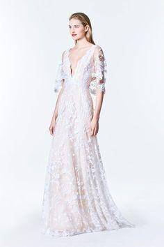 See more wedding dresses from Carolina Herrera Bridal Fall 2017.