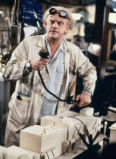 "Christopher Lloyd en ""Regreso al Futuro II"", 1989"